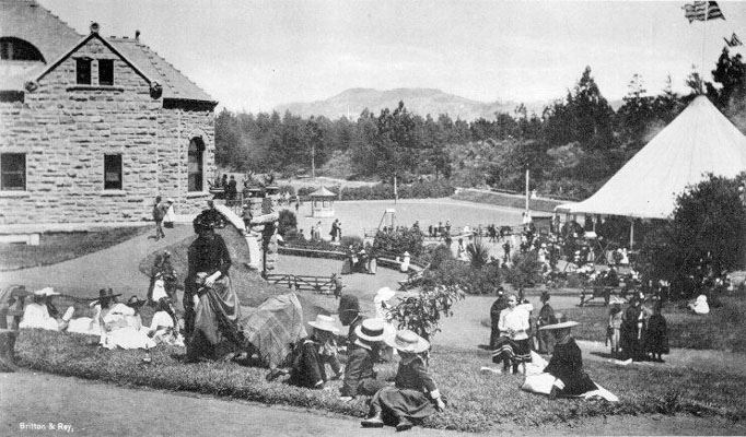 Black and white historic photo of people enjoying Golden Gate Park
